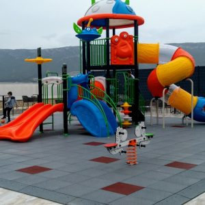 Podne obloge i parkovna oprema